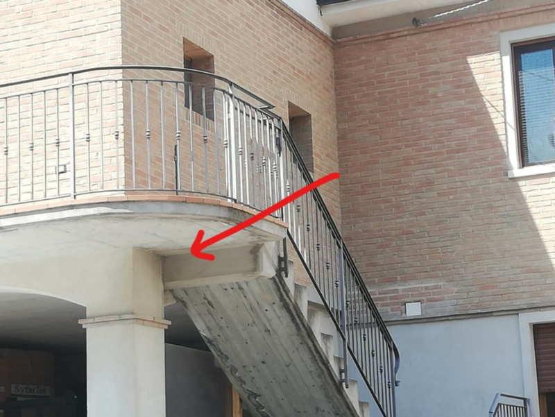 punto di un'abitazione con una discontinuità geometrica