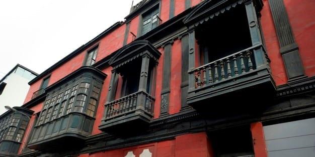 facciata di casa ristrutturata con ecobonus 2020